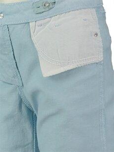 Genç Kız Mavi Pantolon