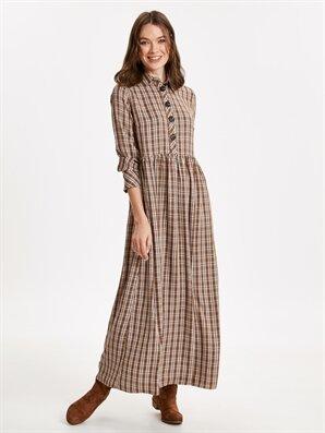 84a0bee541064 Yakası Düğme Detaylı Ekose Poplin Elbise - LC WAIKIKI