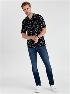 Erkek Slim Fit Çiçek Baskılı Kısa Kollu Tişört