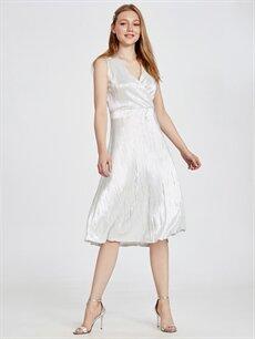 %100 Polyester Diz Altı Kolsuz Kruvaze Yaka Işıltılı Abiye Elbise