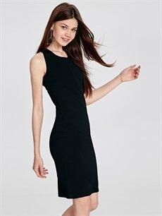 %93 Polyester %7 Elastan Düz Kolsuz Sırt Detaylı Abiye Kalem Elbise