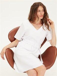 Beyaz Kemerli V Yaka Düz Elbise 9WK556Z8 LC Waikiki