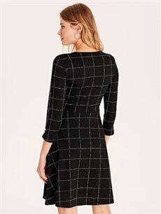 Kadın Dokulu Kumaştan Kareli Kloş Elbise
