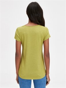 Kadın U Yaka Pamuklu Tişört
