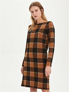 %68 Polyester %30 Viskoz %2 Elastan Diz Altı Ekoseli Uzun Kol Düz Kesim Ekose Elbise