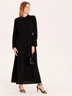 Siyah Yakası Düğme Detaylı Kuşaklı Uzun Elbise 9WO441Z8 LC Waikiki