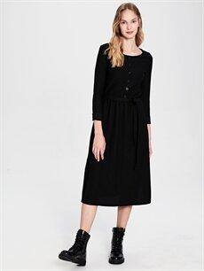%98 Polyester %2 Elastan Diz Altı Desenli Uzun Kol Kuşaklı Dokulu Kumaştan Elbise
