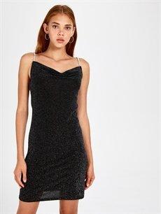 %93 Poliamid %3 Metalik elyaf %4 Elastane Diz Üstü Desenli Kolsuz Degaje Yaka Işıltılı Askılı Elbise