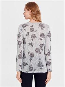 Kadın Çiçek Desenli Esnek Tişört